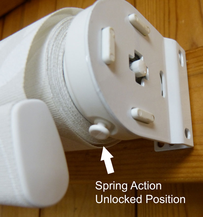 roller blind spring action unlocked position